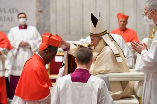 Papa Francis yahaye Karidinali Kambanda umwanya ukomeye muri Kiliziya Gatulika ku Isi